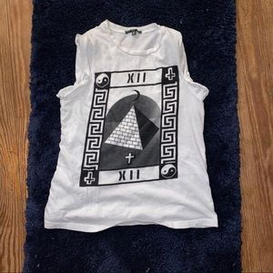 Edgy sleeveless t shirt with cool design on front